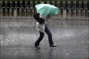 furtuna-ploaie-umbrela1111111