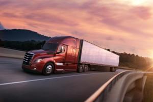 Ein wichtiger Erfolgstreiber auf dem nordamerikanischen Markt: Der neue Freightliner Cascadia, der seit Anfang 2017 mit integriertem Detroit-Antriebsstrang produziert wird und Maßstäbe bei Kraftstoffeffizienz, Sicherheit und Vernetzung setzt.//