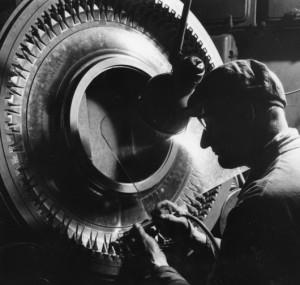 2NokianTyres_1950s_TyreManufacturing